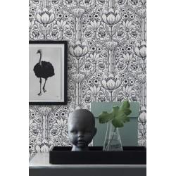 Black & White 6086